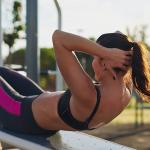 Como realizar abdominales